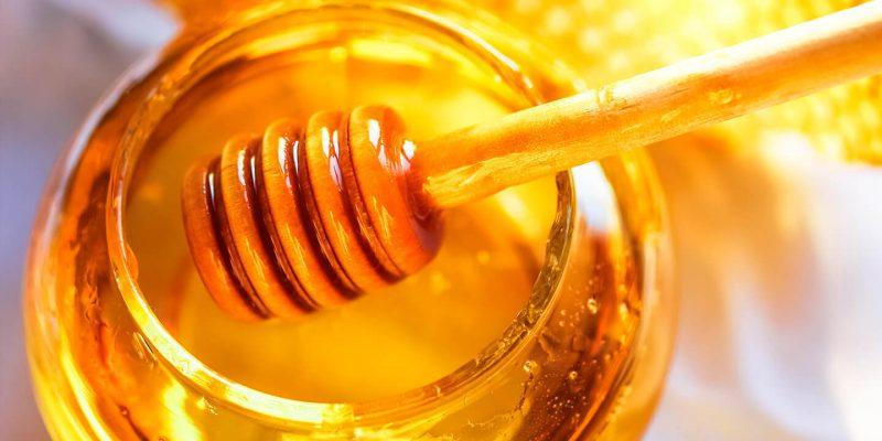 Una dolce e antica storia: il miele