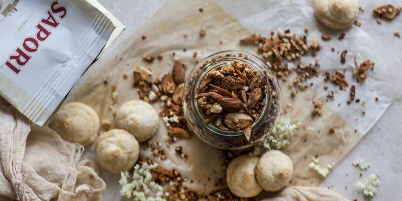 Granola all'Amaretto: scopriamola nella ricetta di Hortus Natural Cooking